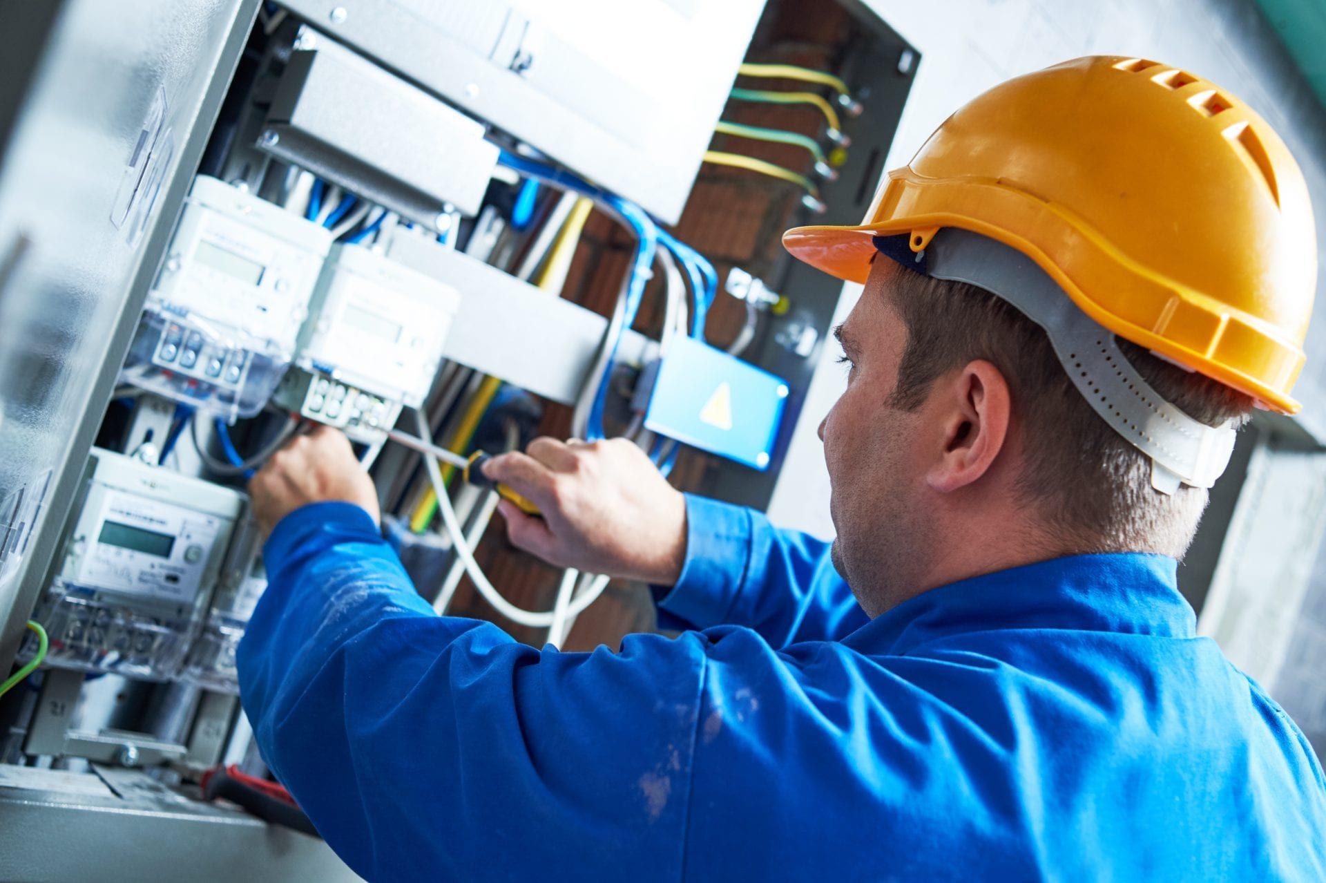 1002 - Treinamento em Segurança para Trabalhadores que Intervenham em Instalações Energizadas com Alta Tensão no Sistema Elétrico de Potência